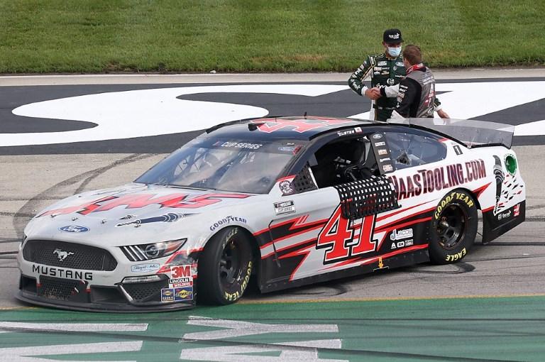 MOT - NAS - SPO - NASCAR - CUP - SERIES - QUAKER - STATE - 400 - PRESENTED - BY - WALM